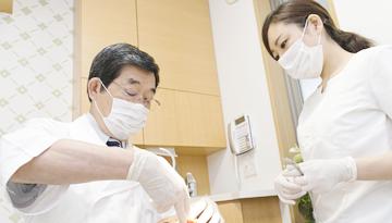 女性歯科衛生士